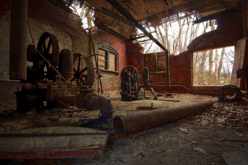 msh-phil tuths-zullopumphouse 025