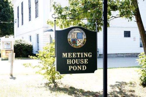 Meeting House Pond sign.JPG